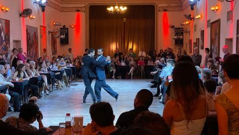 queer tango demo